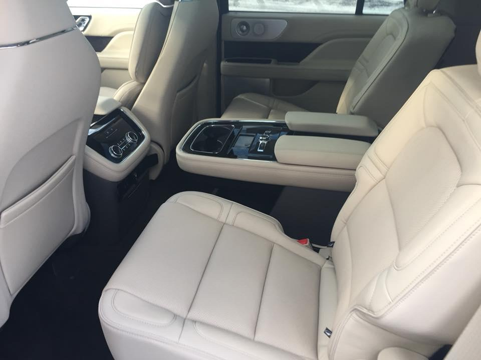 2018 Lincoln Navigator, Backseat