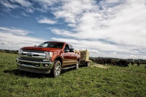 2017 Ford F-350 SuperDuty XLT Exterior Side View