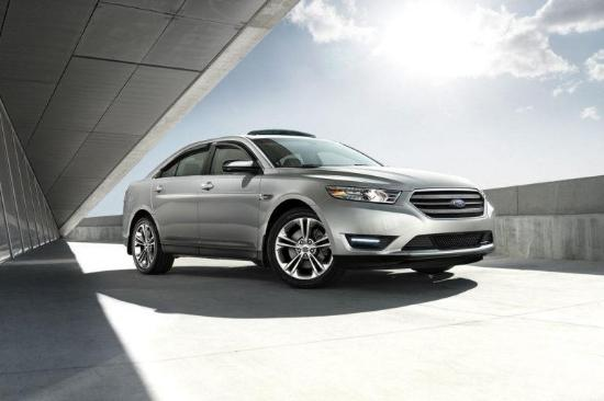 2017 Ford Taurus SEL Exterior Side View