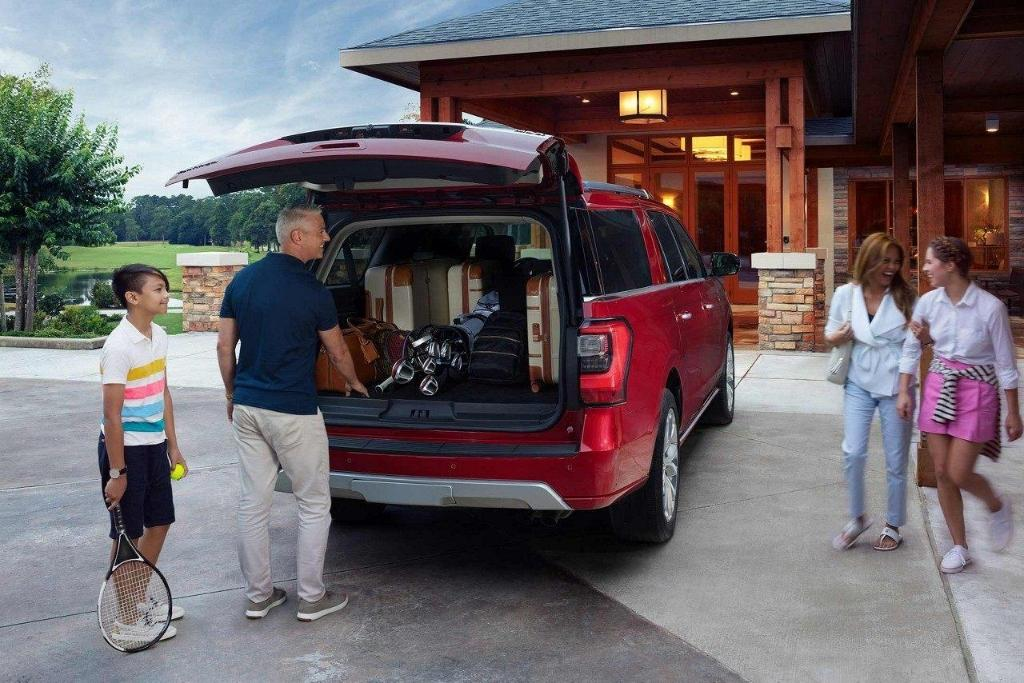 2018 Ford Expedition Rear