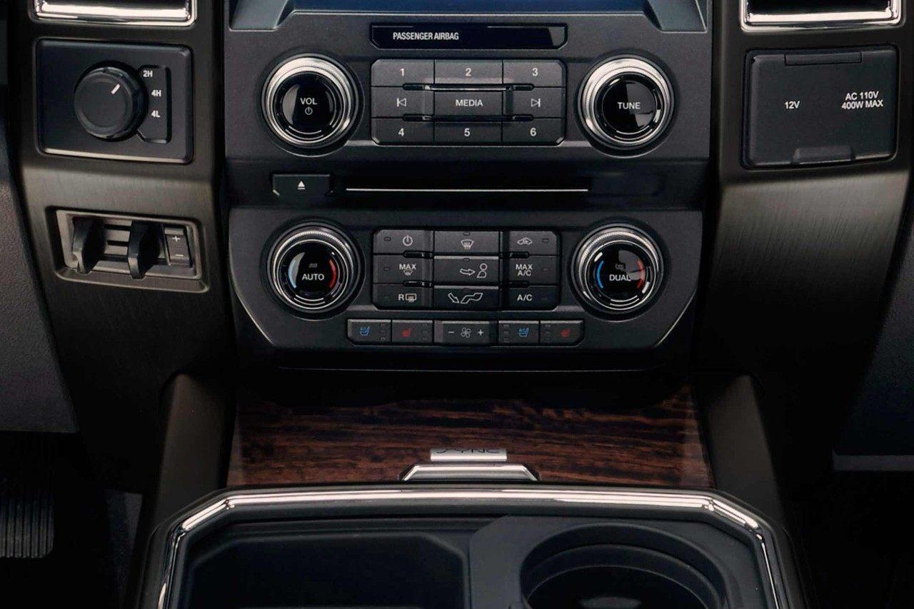 2018 Ford F-350 SuperDuty - Interior