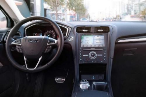 2018 Ford Fusion Energi SE Interior Dashboard