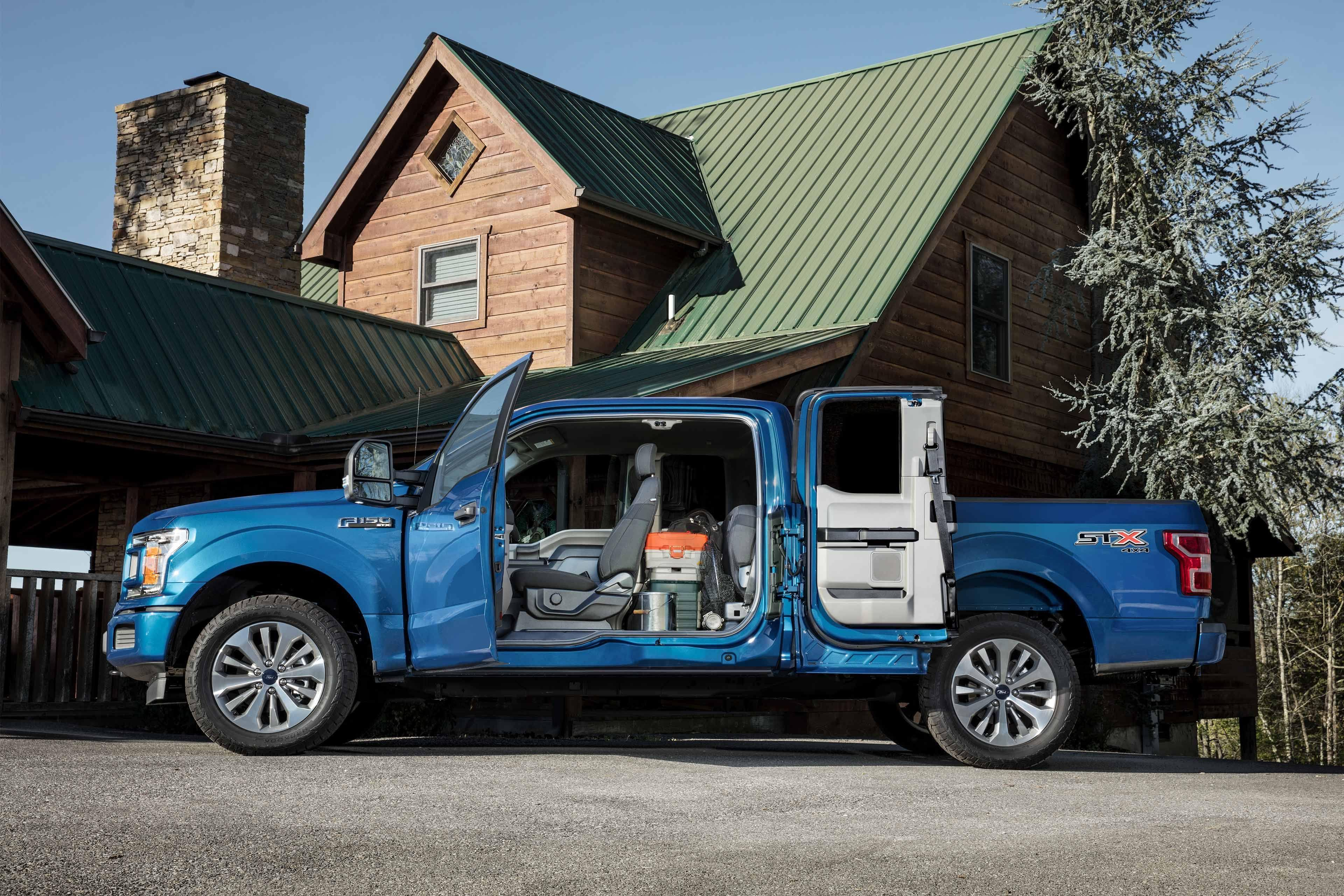 2019 Ford F-150 XLT SuperCrew in blue and side door to second row from Cabot Ford Lincoln in St. John's, Newfoundland and Labrador (NL)