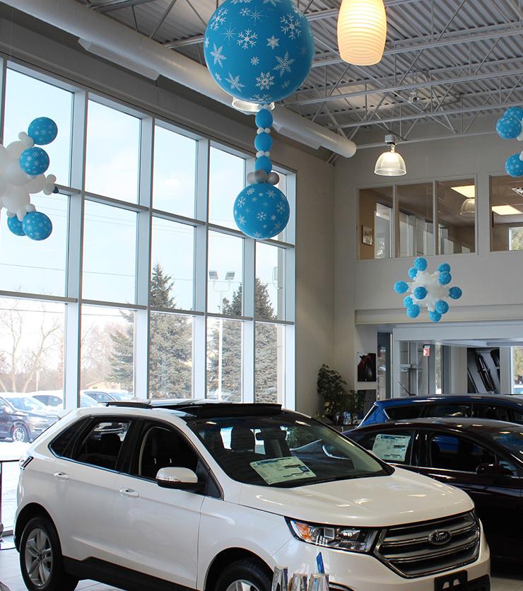 Trillium Ford Lincoln - Showroom