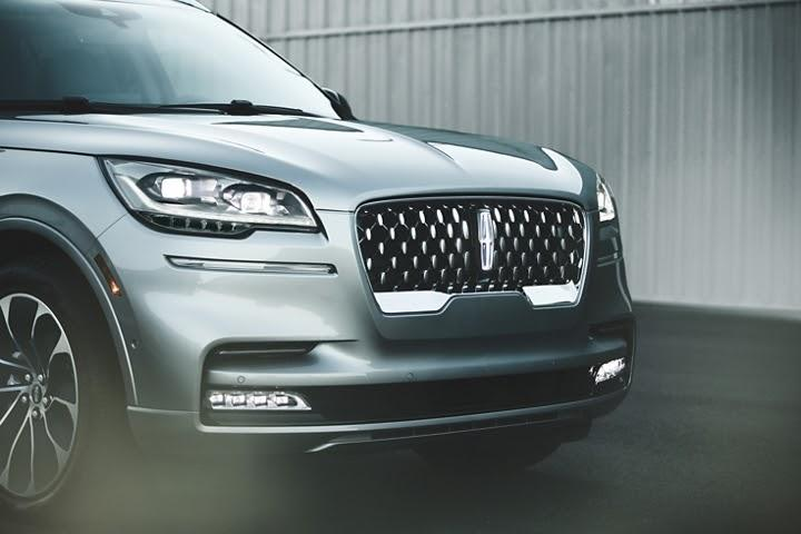 College Lincoln, Lincoln Aviator Best Features