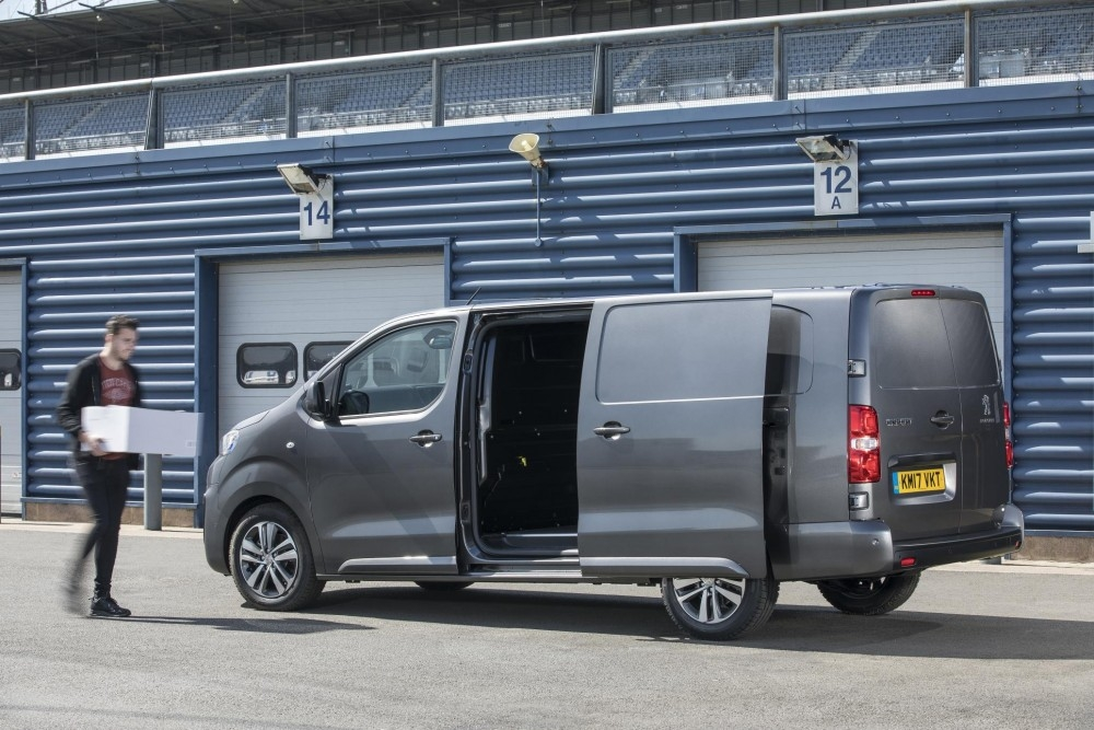 Peugeot Expert van review
