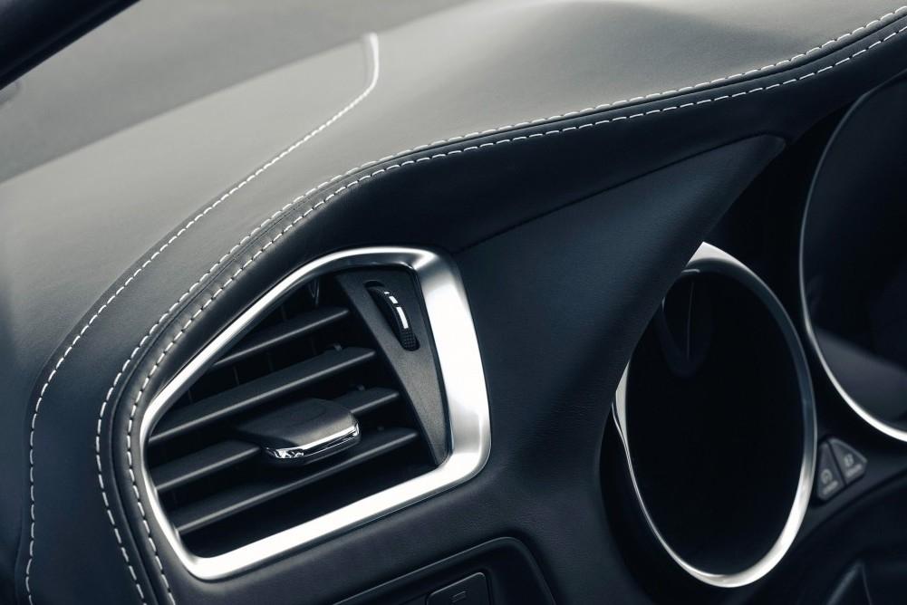 DS 5 Performance Line 180 Auto Review
