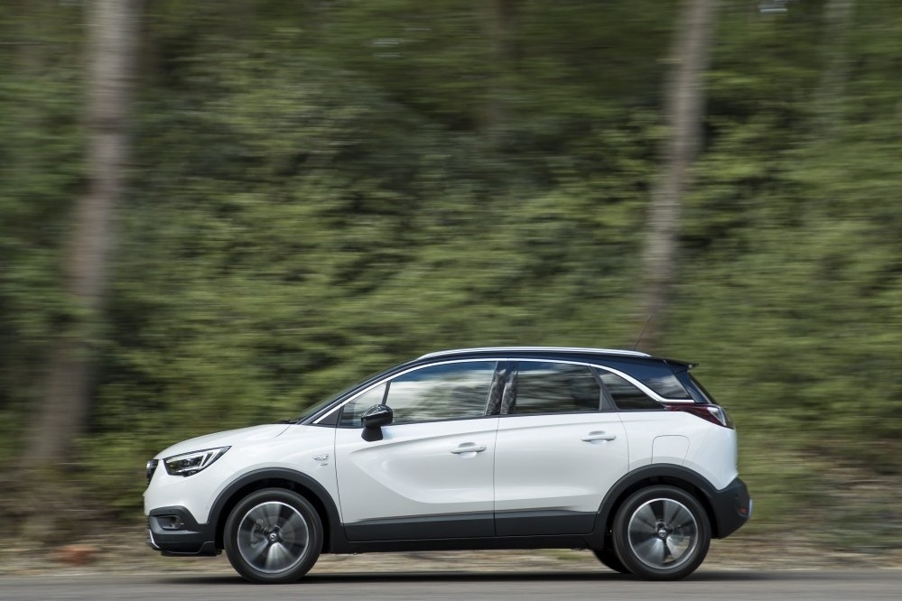 First drive review: Vauxhall Crossland X