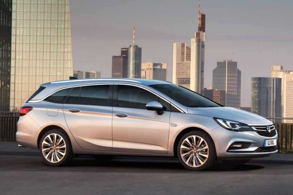 Vauxhall Astra Sports Tourer 2016 review