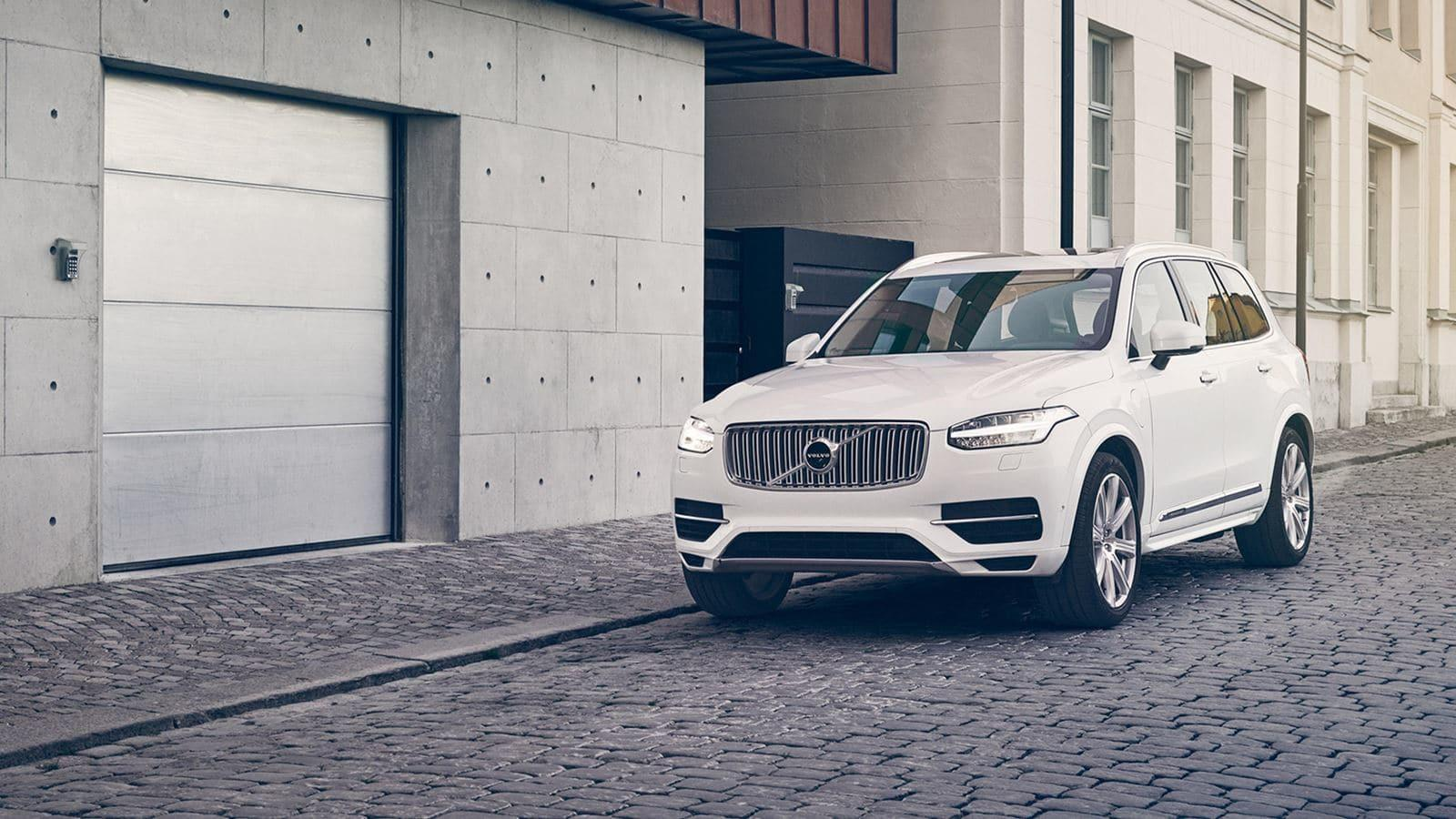 2018 Volvo XC90 Luxury SUV