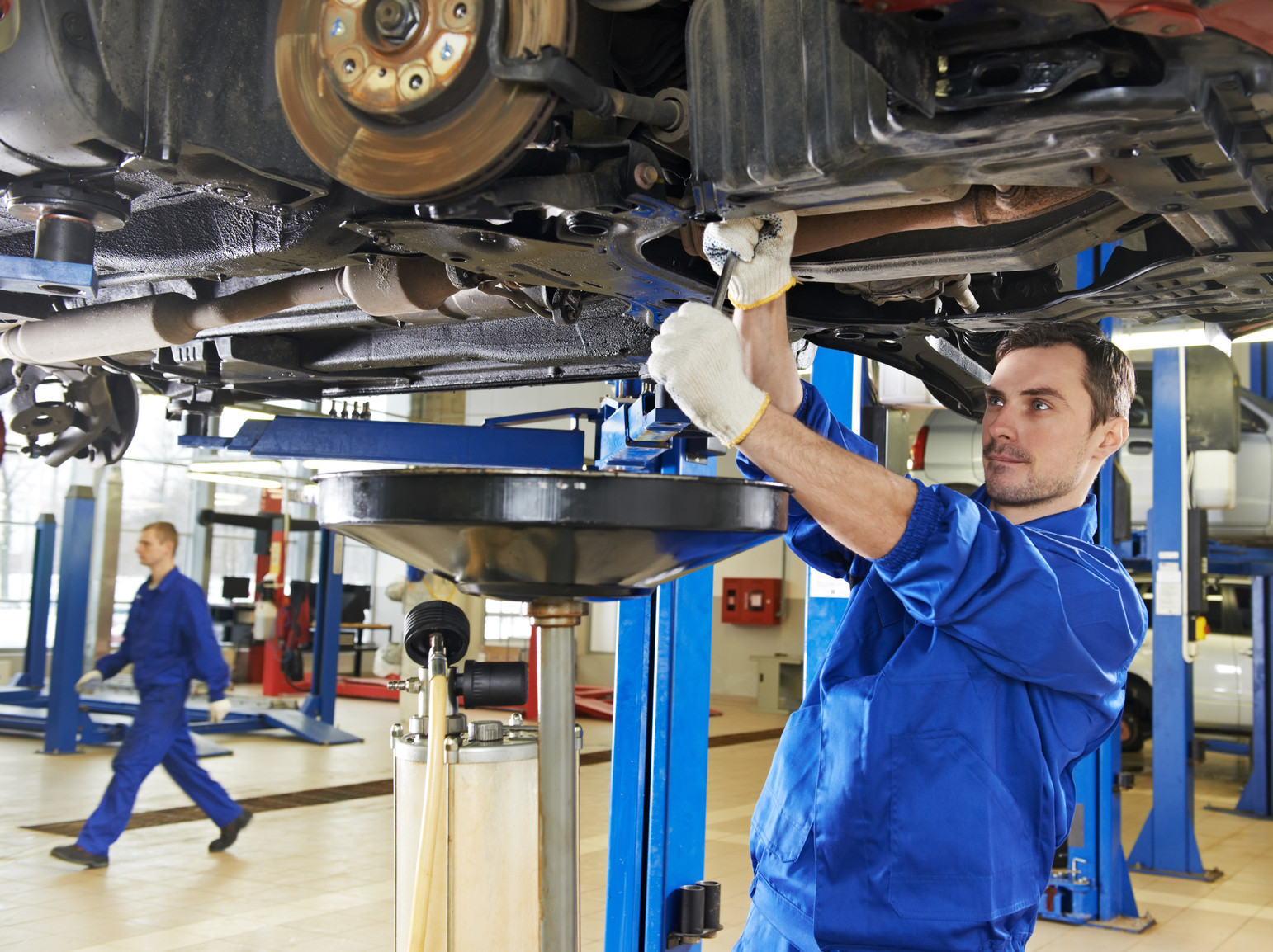 The ford certified repair technicians at jim hatheway ford utilize the very latest in equipment to professionally repair and maintain your car