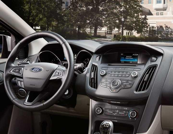 2017 Ford Focus Highlights Interior